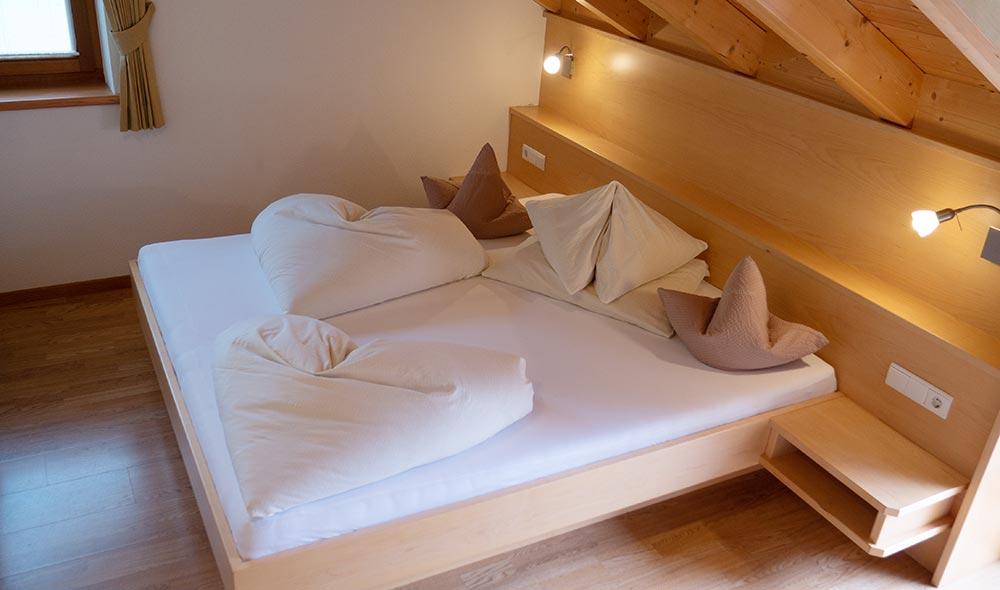 landheim-ferienwohnungen-appartements-appartamenti-apartments-antholz-anterselva-bergblick4