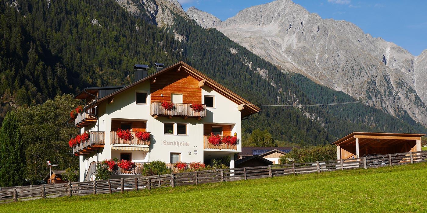 landheim-ferienwohnungen-appartements-appartamenti-apartments-antholz-anterselva-slider1